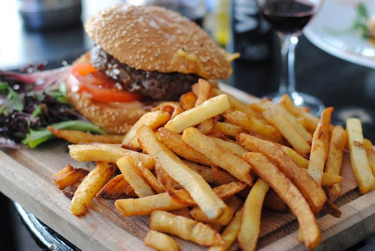 la-penderie-paris-mega-cheese-burger